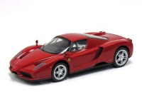 R/C auto Ferrari Enzo (1:16)